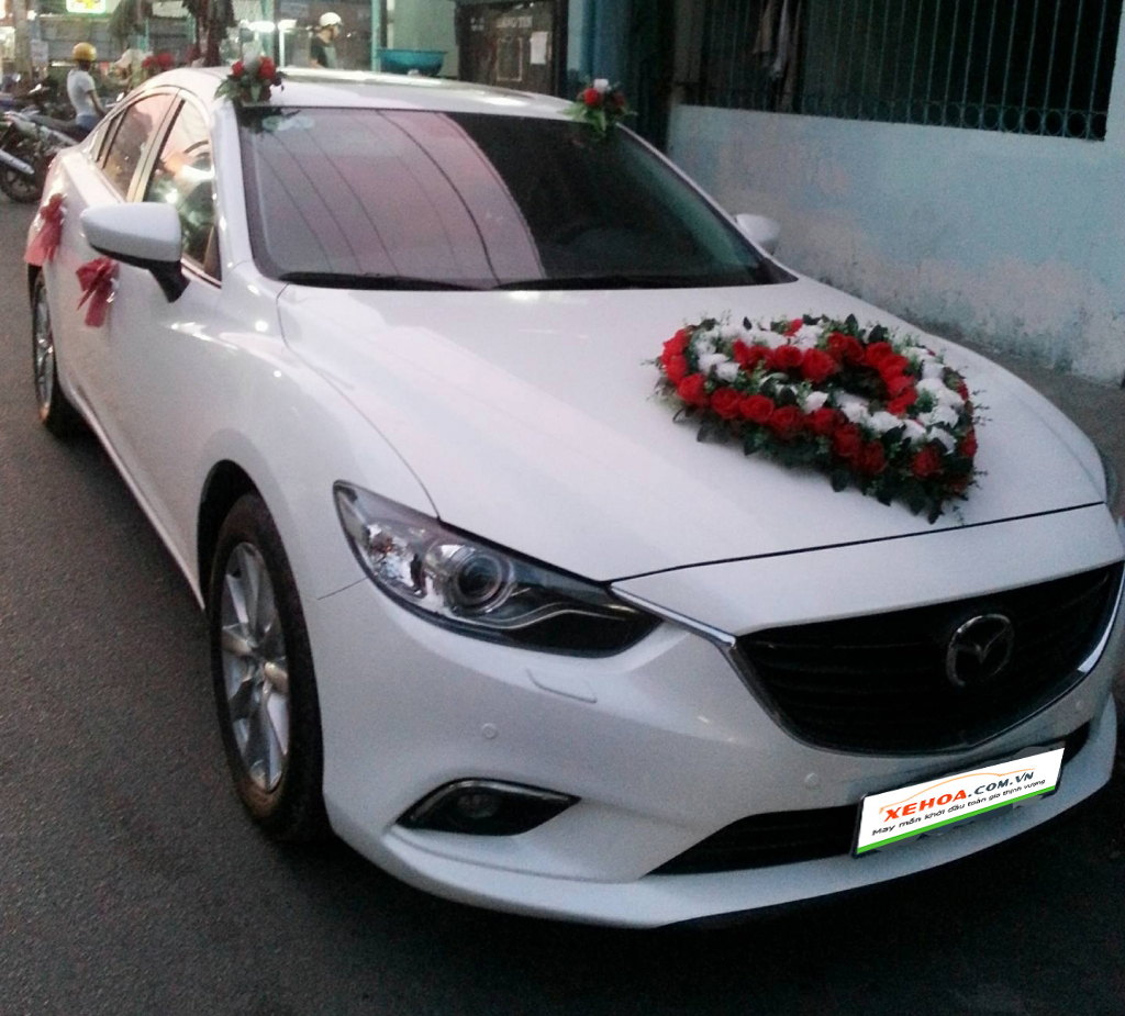 Thuê xe hoa Mazda 6